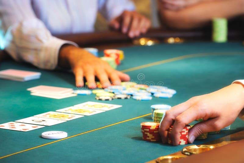 Mãos 2 do casino fotos de stock