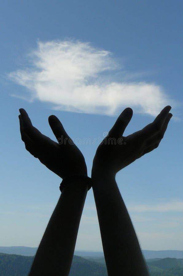 Mãos ao céu fotografia de stock royalty free