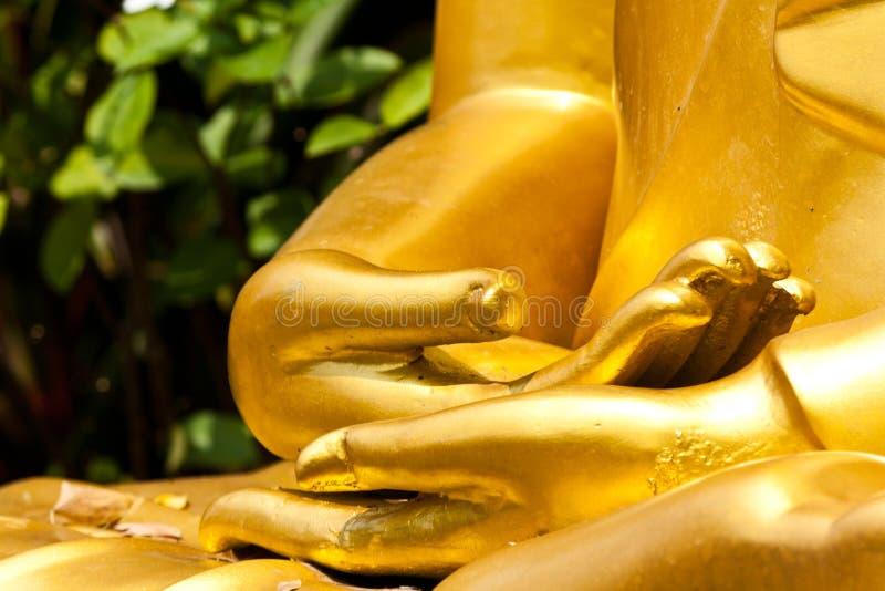 Mãos budistas da estátua imagens de stock