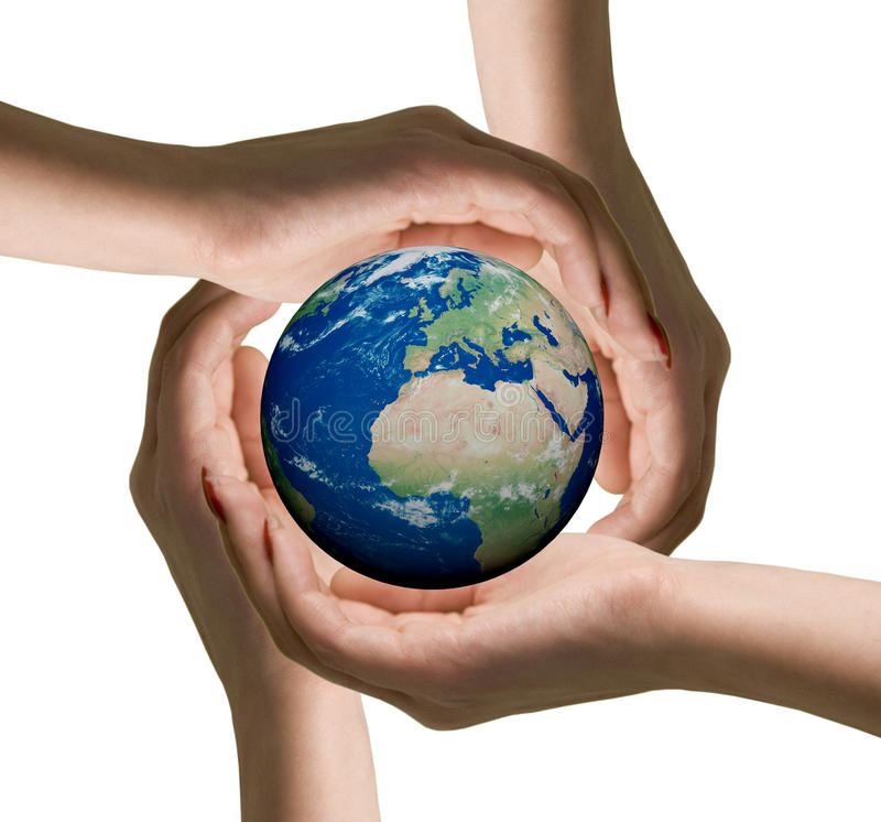 Mãos das mulheres e do globo imagens de stock