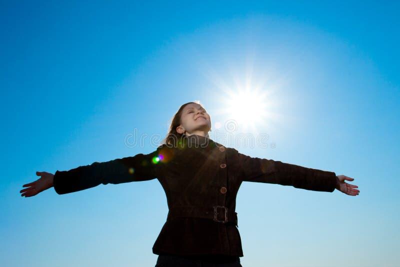 Download Mãos De Aumentação Da Mulher Foto de Stock - Imagem de viver, brilho: 10055812