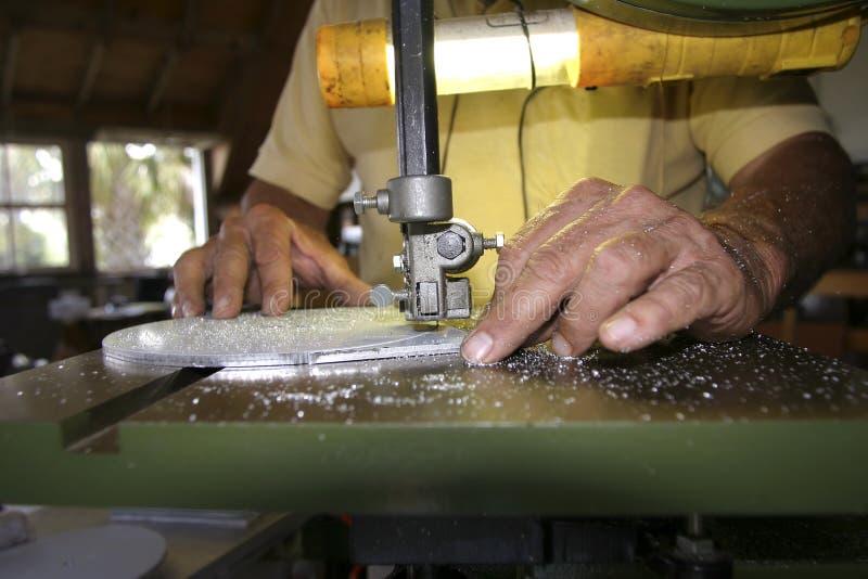 Download Mãos do artesão foto de stock. Imagem de broca, loja, faixa - 109244