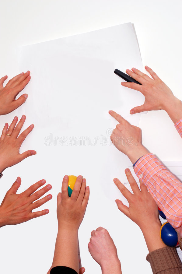 Mãos na oficina imagens de stock