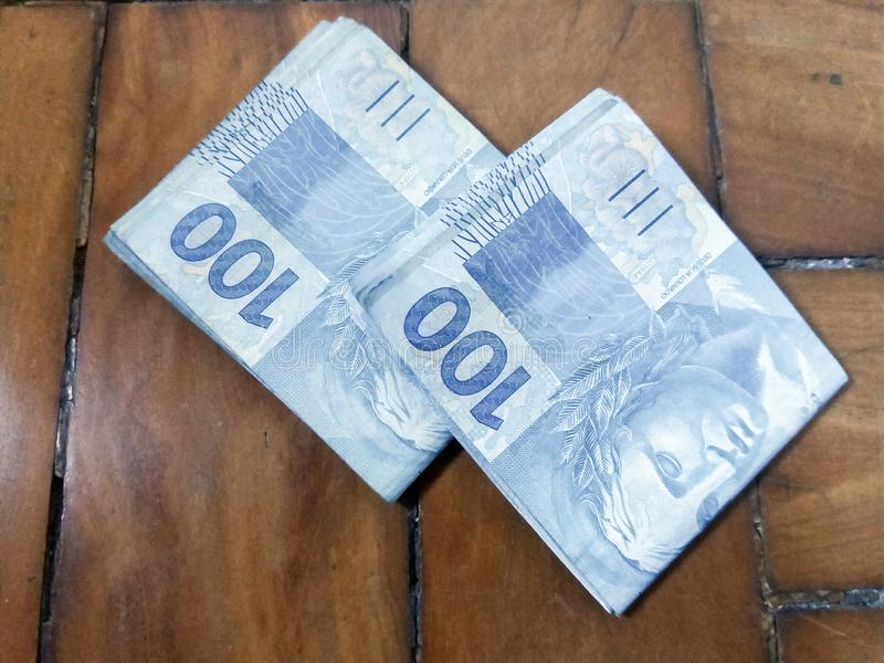 Dinheiro Real Brasil Fotos De Stock - Baixe 1,972 Fotos Royalty Free