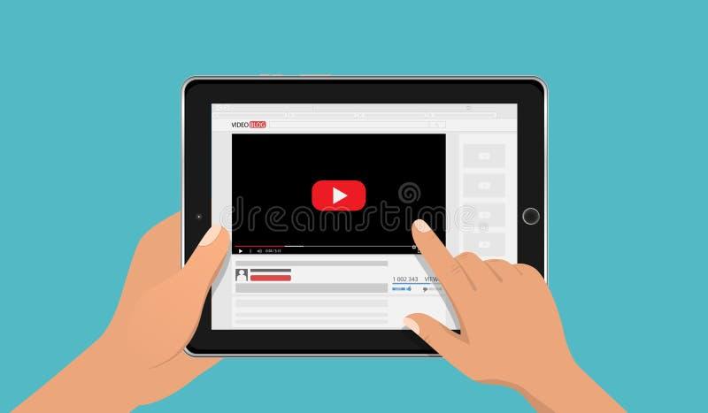Mãos que guardam o modelo do PC da tabuleta com a tela video em linha do blogue Conceito de Vlog Ilustração do vetor ilustração stock