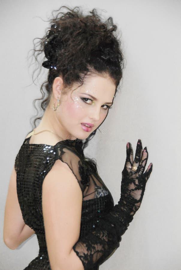 Download Mädchen stockfoto. Bild von schwarzes, kleid, kosmetik - 9090084