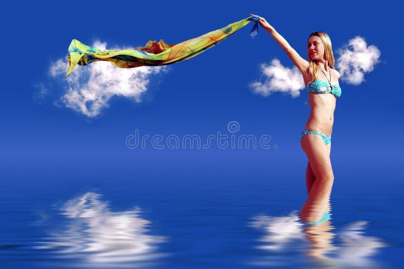 Mädchen auf blauem Himmel stockbilder