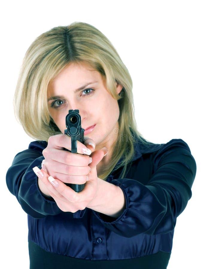 Mädchen, das eine Gewehr zielt stockfotos