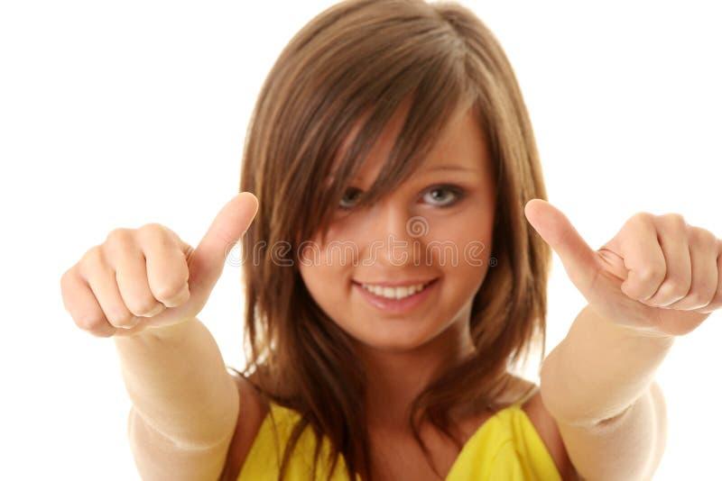 Mädchen, das O.K. darstellt stockfoto