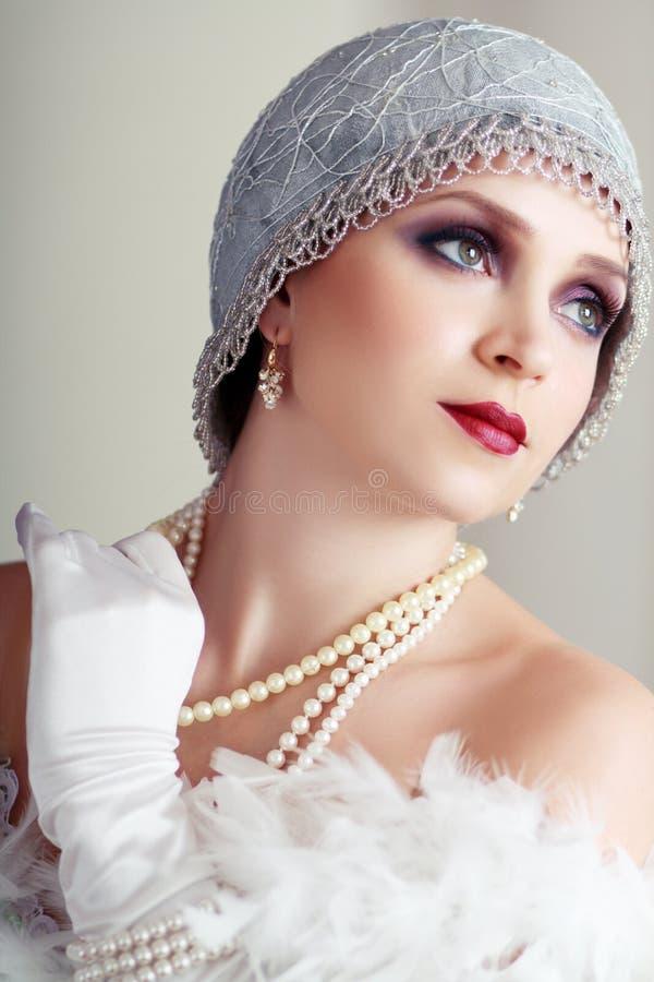 Junge Prallplattenfrau lizenzfreie stockfotos