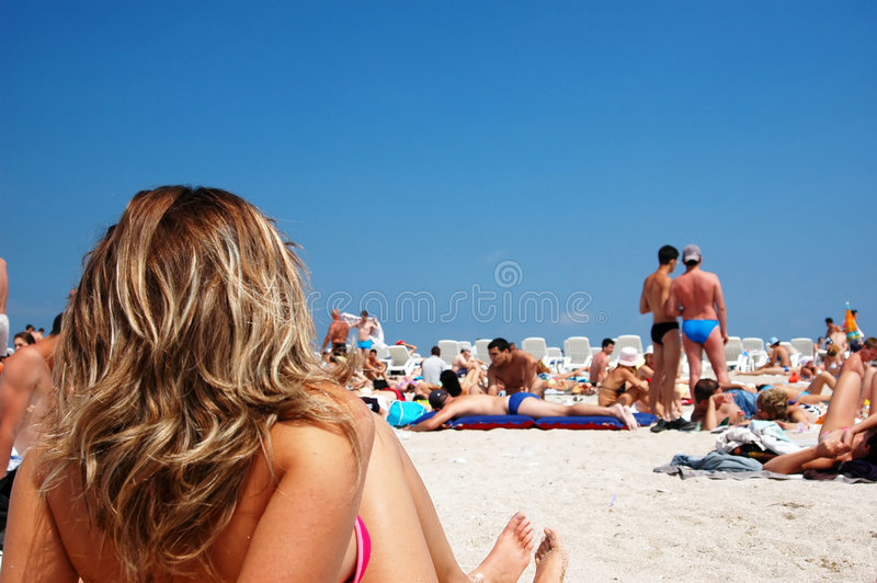 Mädchen in den Ferien lizenzfreies stockfoto