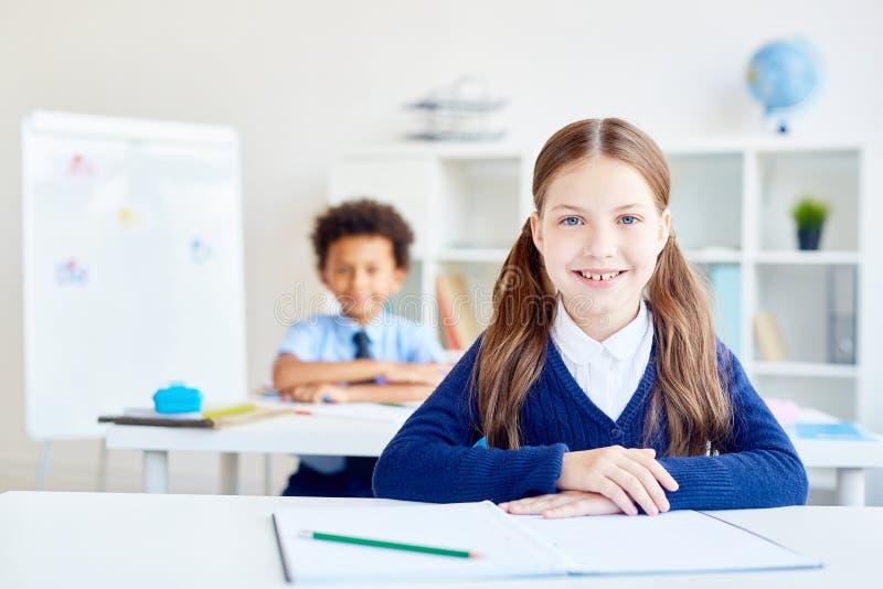 Mädchen an der Lektion lizenzfreie stockbilder
