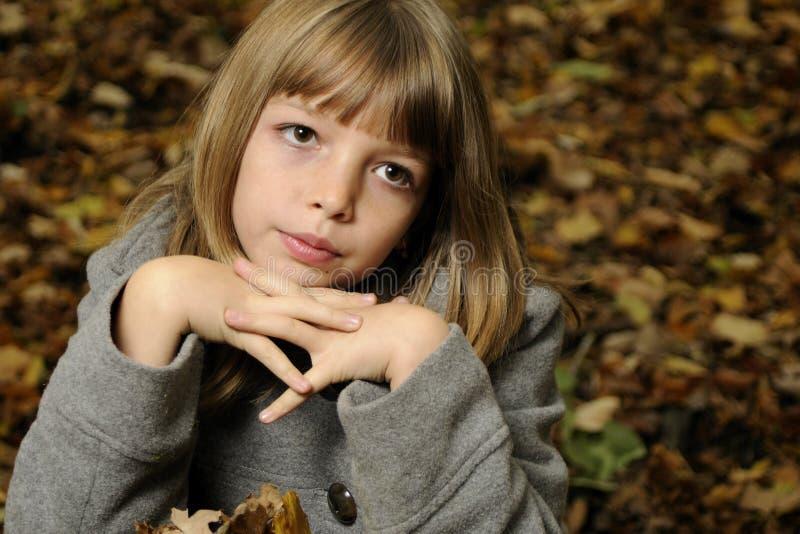 Mädchen in der Natur stockbilder