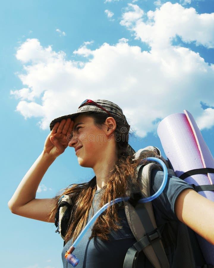 Mädchen in der Wanderung lizenzfreies stockfoto