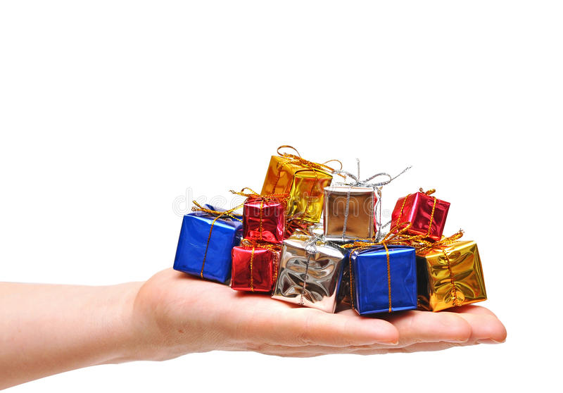 Mädchen des Geschenkkastens in der Hand. Zeitgeschenke stockfoto