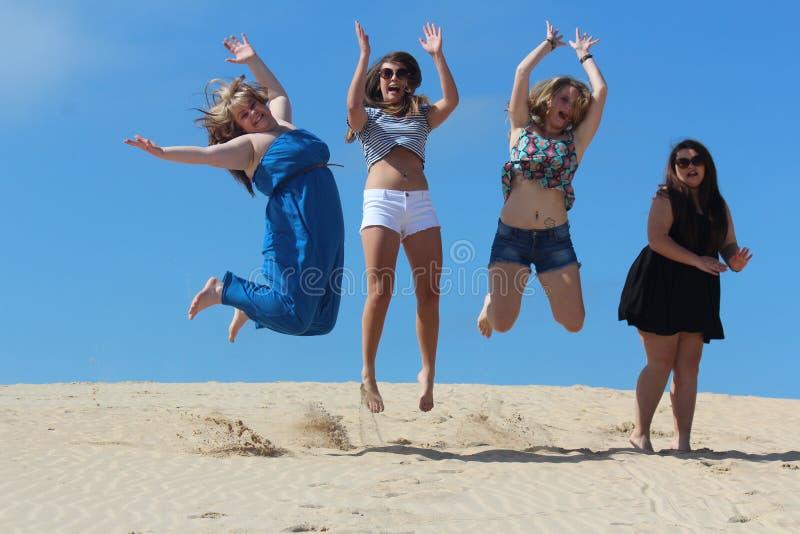 Mädchen, die Spaß haben lizenzfreie stockfotografie