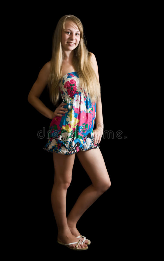 Mädchen in farbigem Kleid stockfotografie