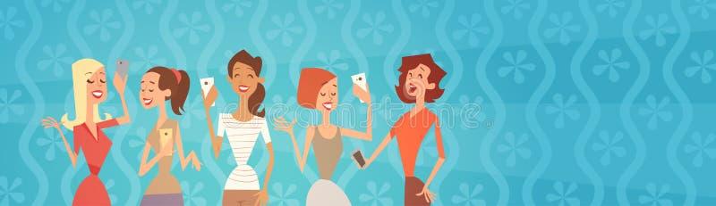Mädchen-Gruppe, die Selfie-Foto auf Zellintelligentes Telefon-dem jungen Karikatur-Frauen-Lächeln macht lizenzfreie abbildung
