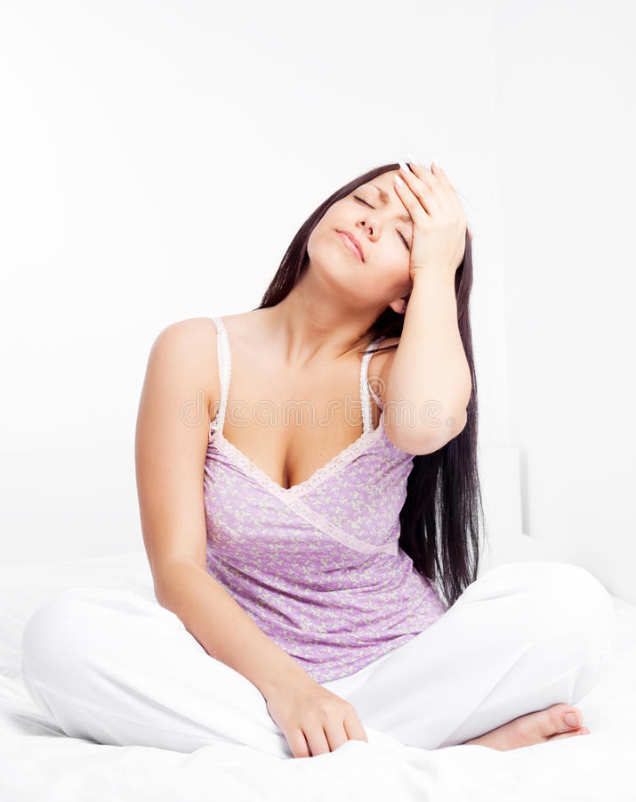 Mädchen hat Kopfschmerzen stockfoto
