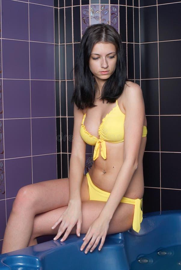 Mädchen im Bad stockbilder
