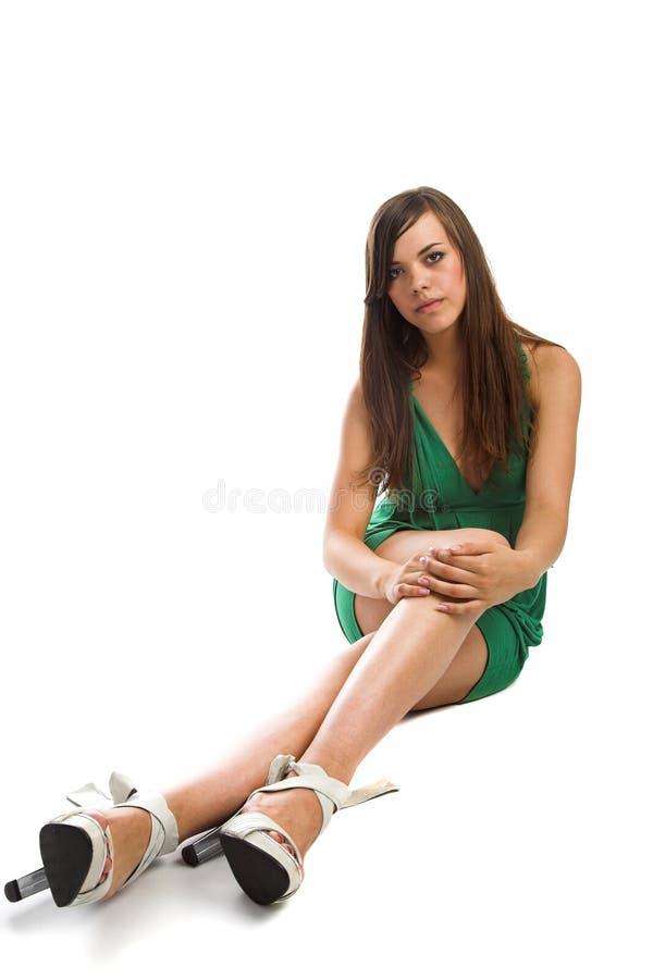 Mädchen im grünen Kleid lizenzfreie stockfotografie