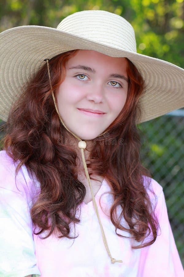 Mädchen im Hut lizenzfreies stockfoto