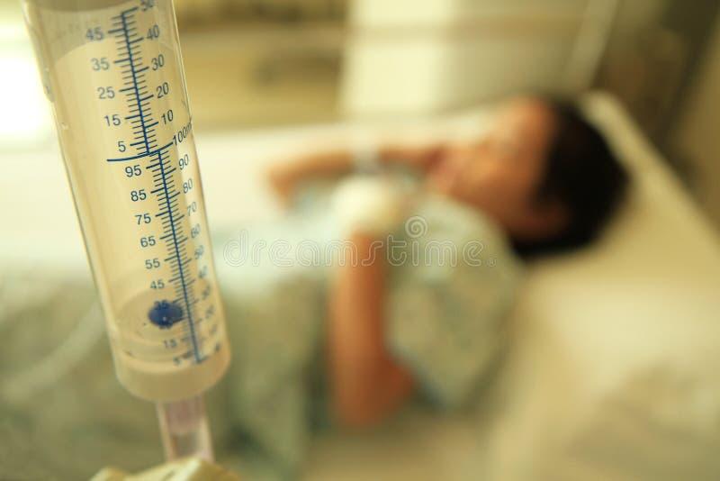 Mädchen im Krankenhaus stockbild