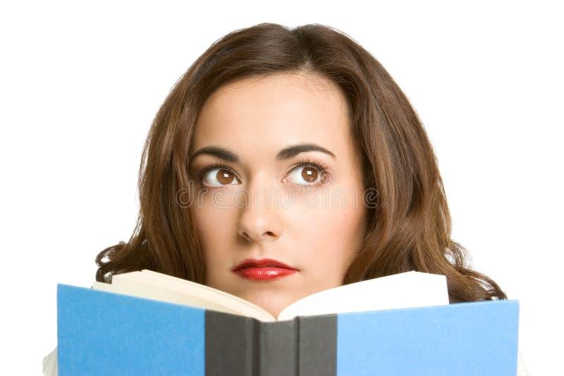 Mädchen-Lesebuch lizenzfreies stockfoto