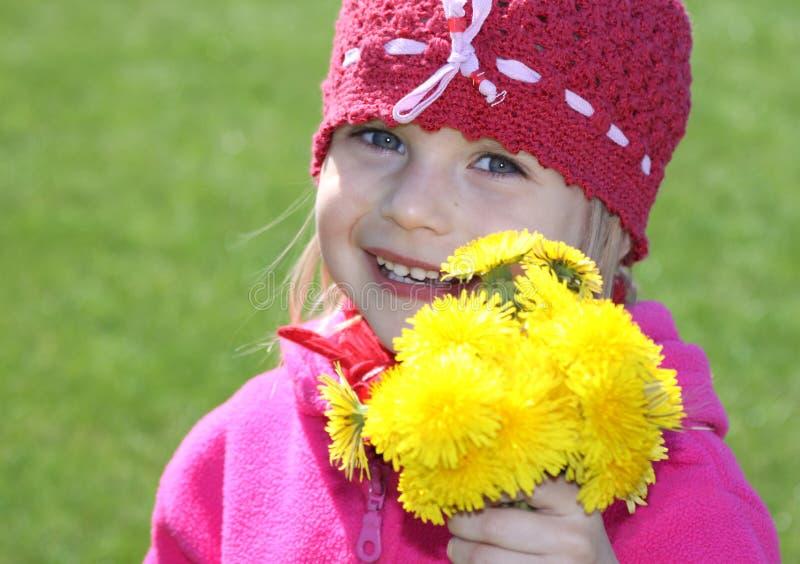 Mädchen mit Blumen lizenzfreies stockbild