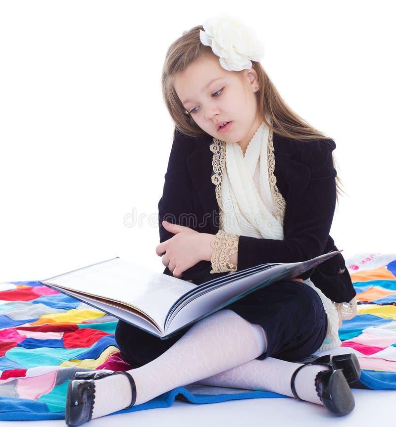 Mädchen mit Buch. lizenzfreie stockfotos