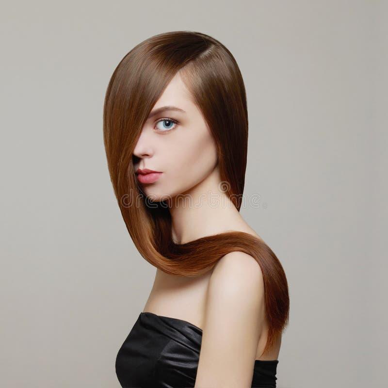 Mädchen mit dem gesunden Haar stockfotos