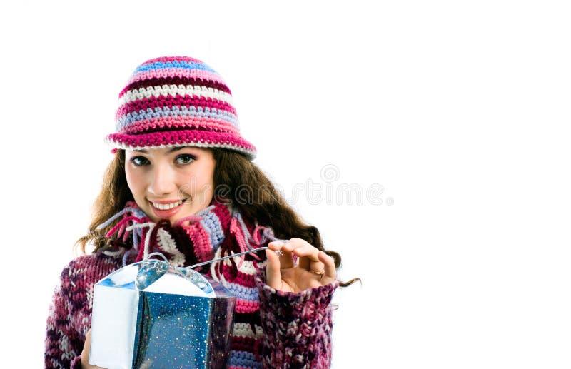 Mädchen mit einem Geschenk stockbilder
