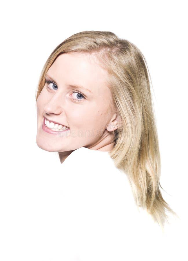 Mädchen mit einem Toothy Lächeln