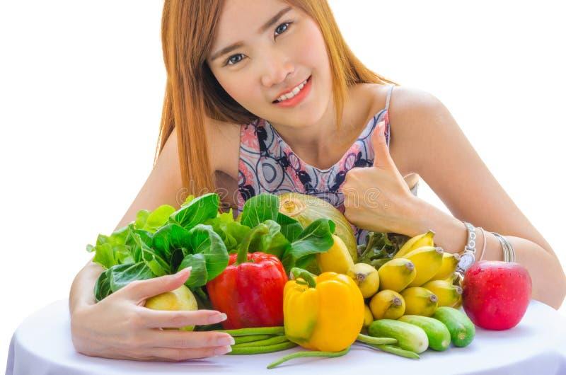 Mädchen mit einem Vegetarier lizenzfreie stockbilder