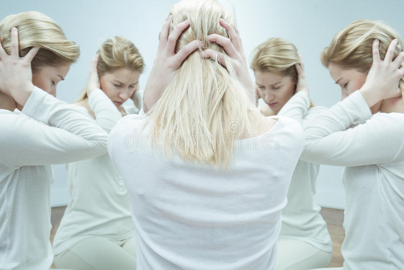 Mädchen mit Geistesproblem lizenzfreie stockbilder