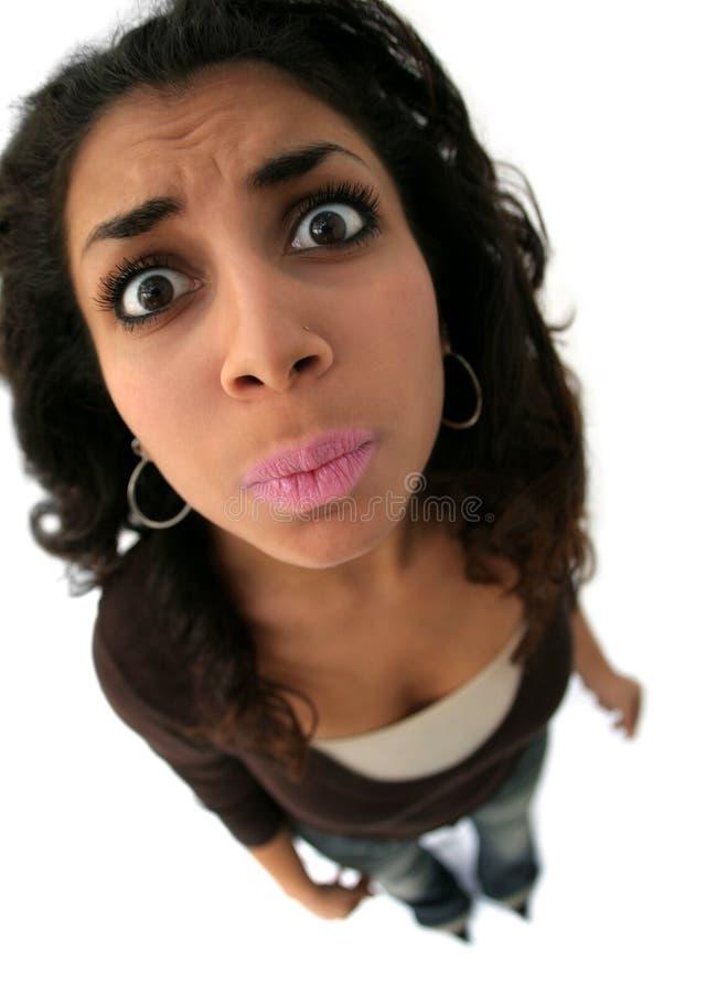 Mädchen mit lustigem Ausdruck lizenzfreies stockfoto