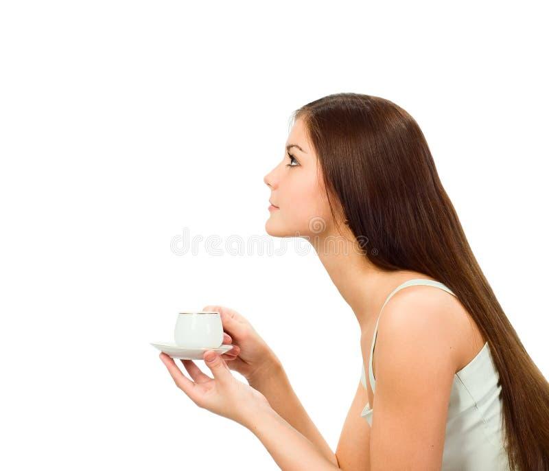 Mädchen mit Schutzkappe des Kaffees lizenzfreie stockfotos