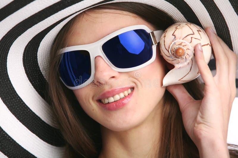 Mädchen mit Seashell stockfotos