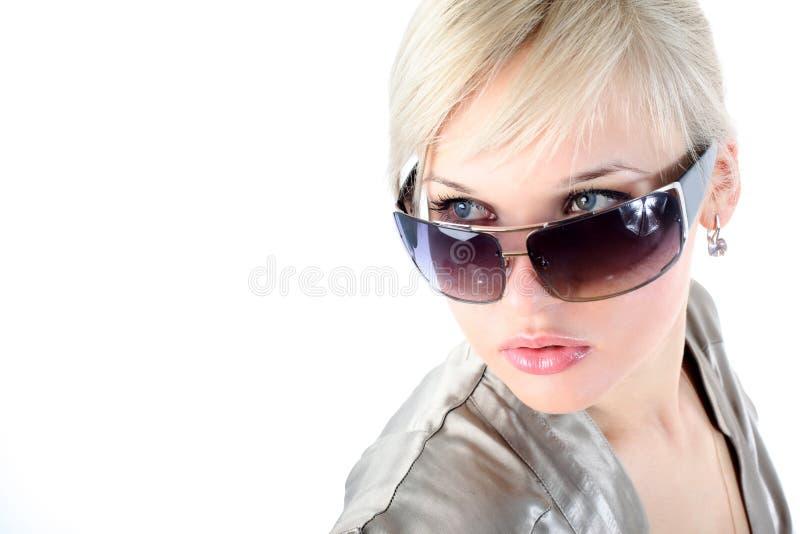 Mädchen mit Sonnenbrillen stockfoto