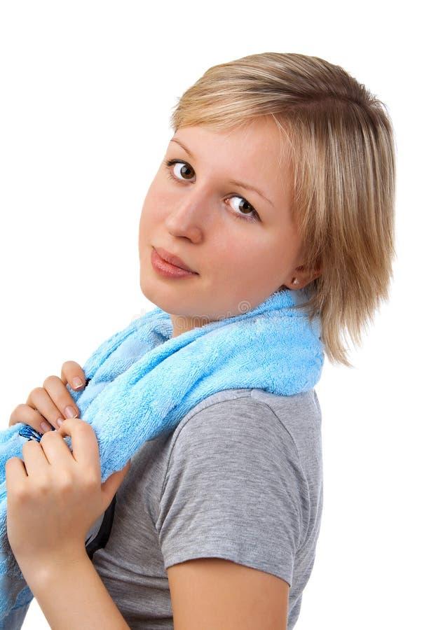 Mädchen mit Tuch nach Sport stockfotografie