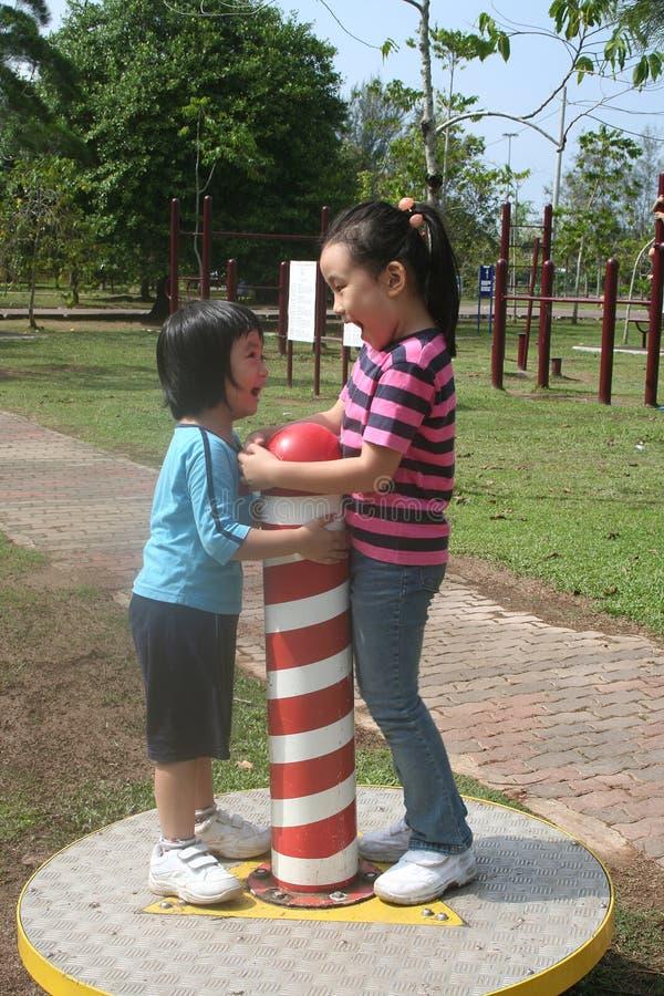 Mädchen am Park stockbilder