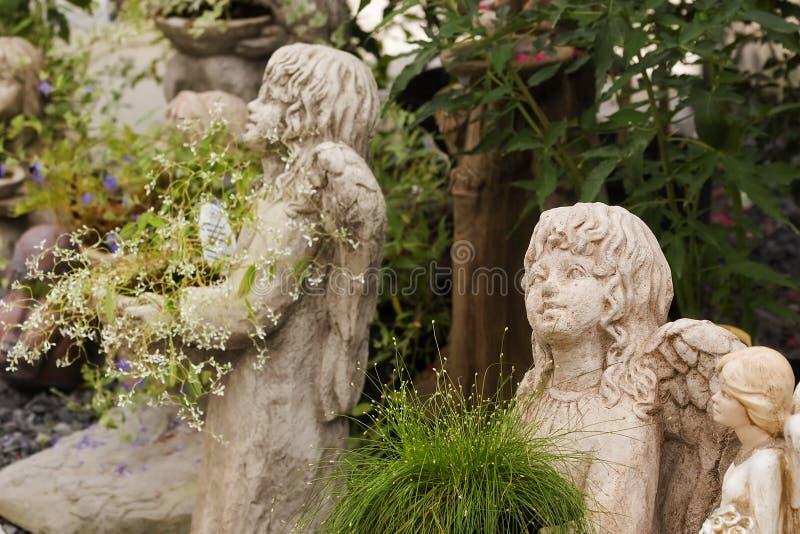 Mädchen Statuaries stockfoto