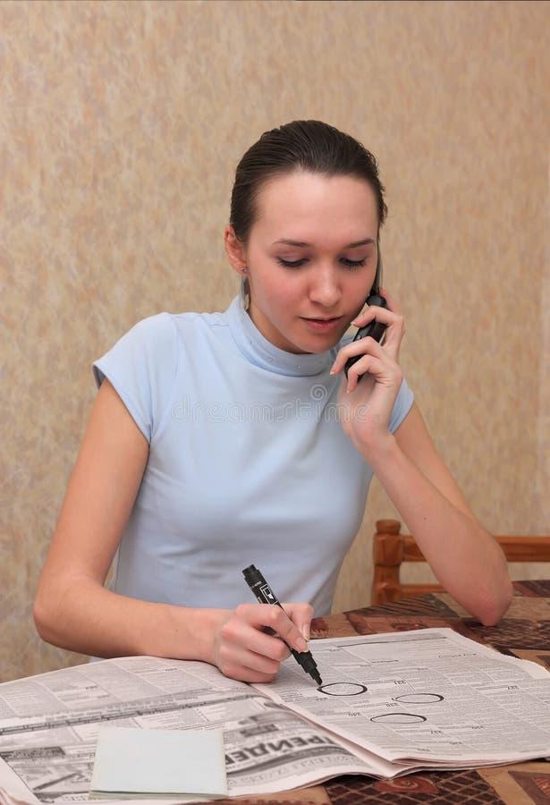 Mädchen sucht nach Arbeit stockbilder