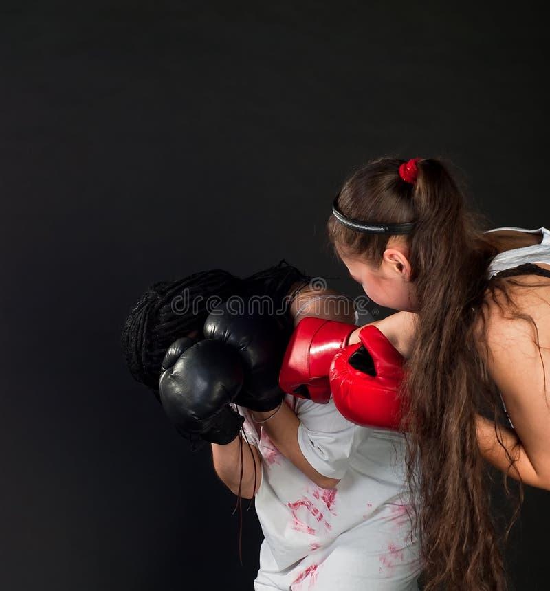 Mädchenboxen stockfoto