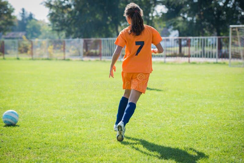 Mädchenfußball lizenzfreies stockfoto