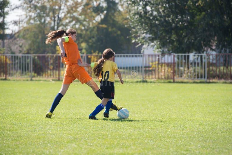 Mädchenfußball lizenzfreie stockfotografie