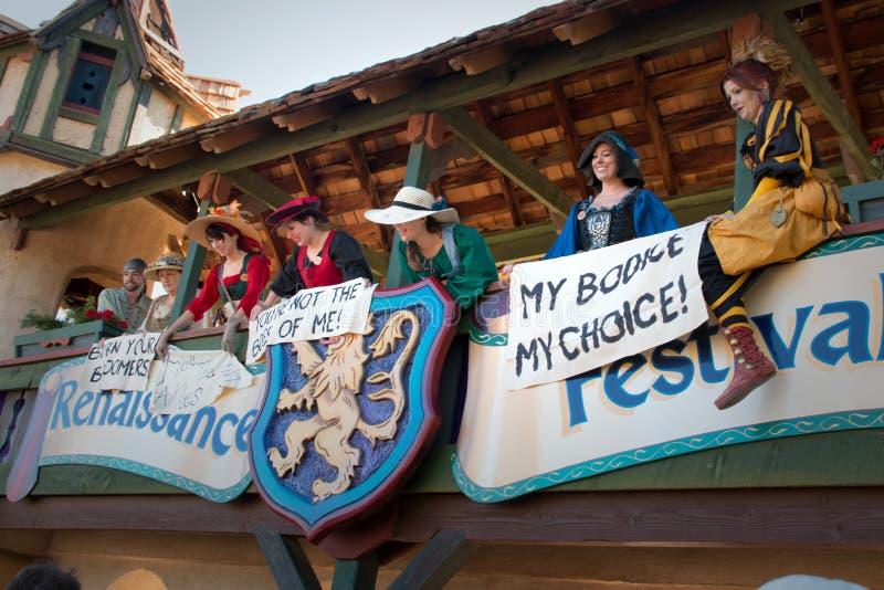 Mädchenprotest am Arizona-Renaissance-Festival stockfotografie