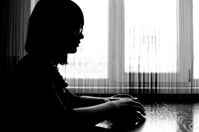 Mädchenschattenbild stockfoto