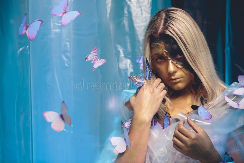Mädchenschmetterlingskunst stockbilder