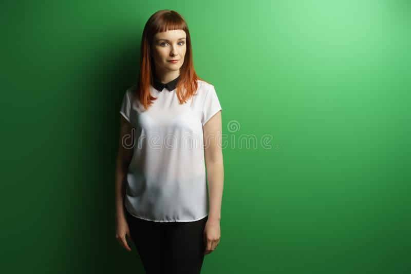 Mädchenstudioporträt stockfoto